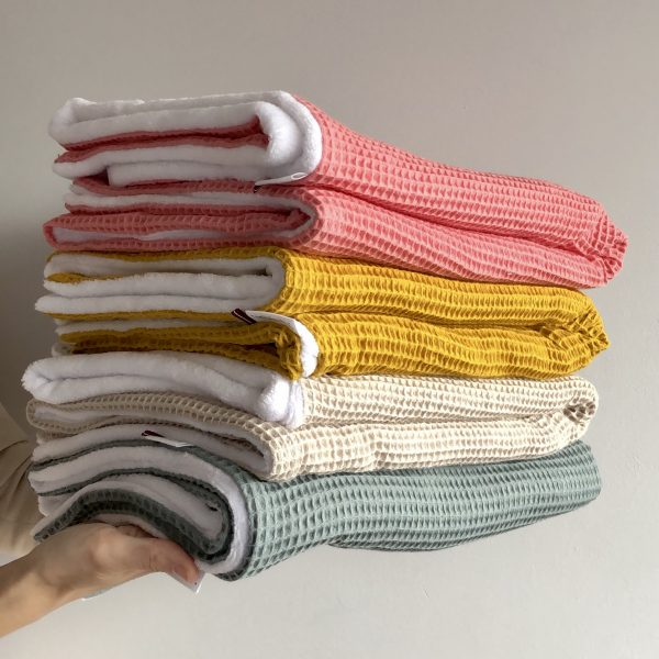 Swaddles & Blankets